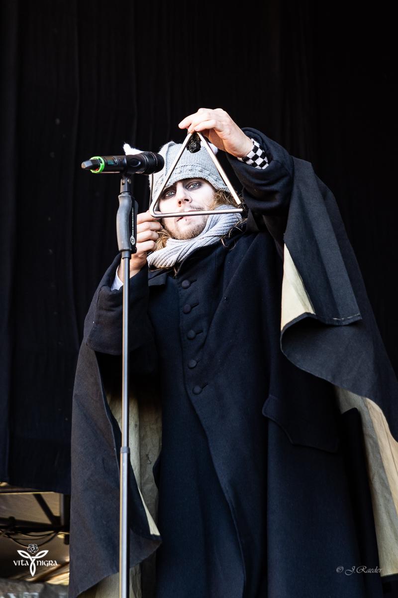 Bühnenspaß mit Bastille_Feuertanz Festival 2019_Vita Nigra-10