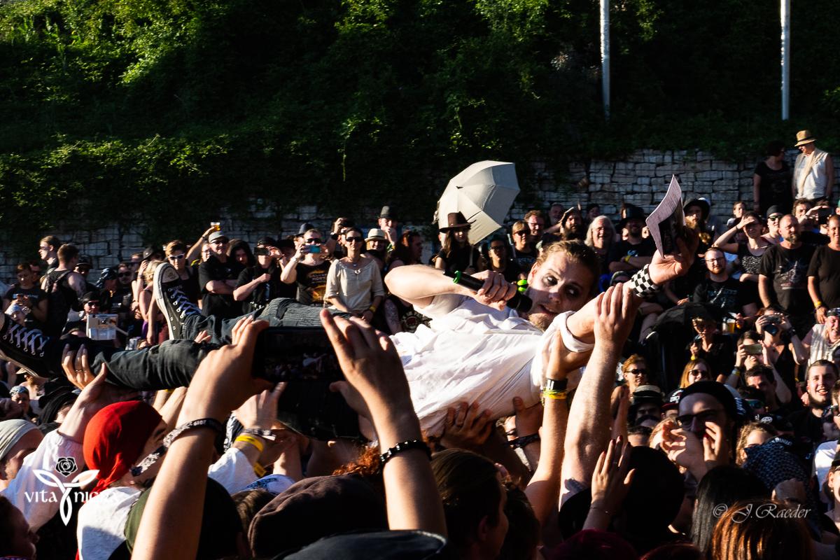 Bühnenspaß mit Bastille_Feuertanz Festival 2019_Vita Nigra-14