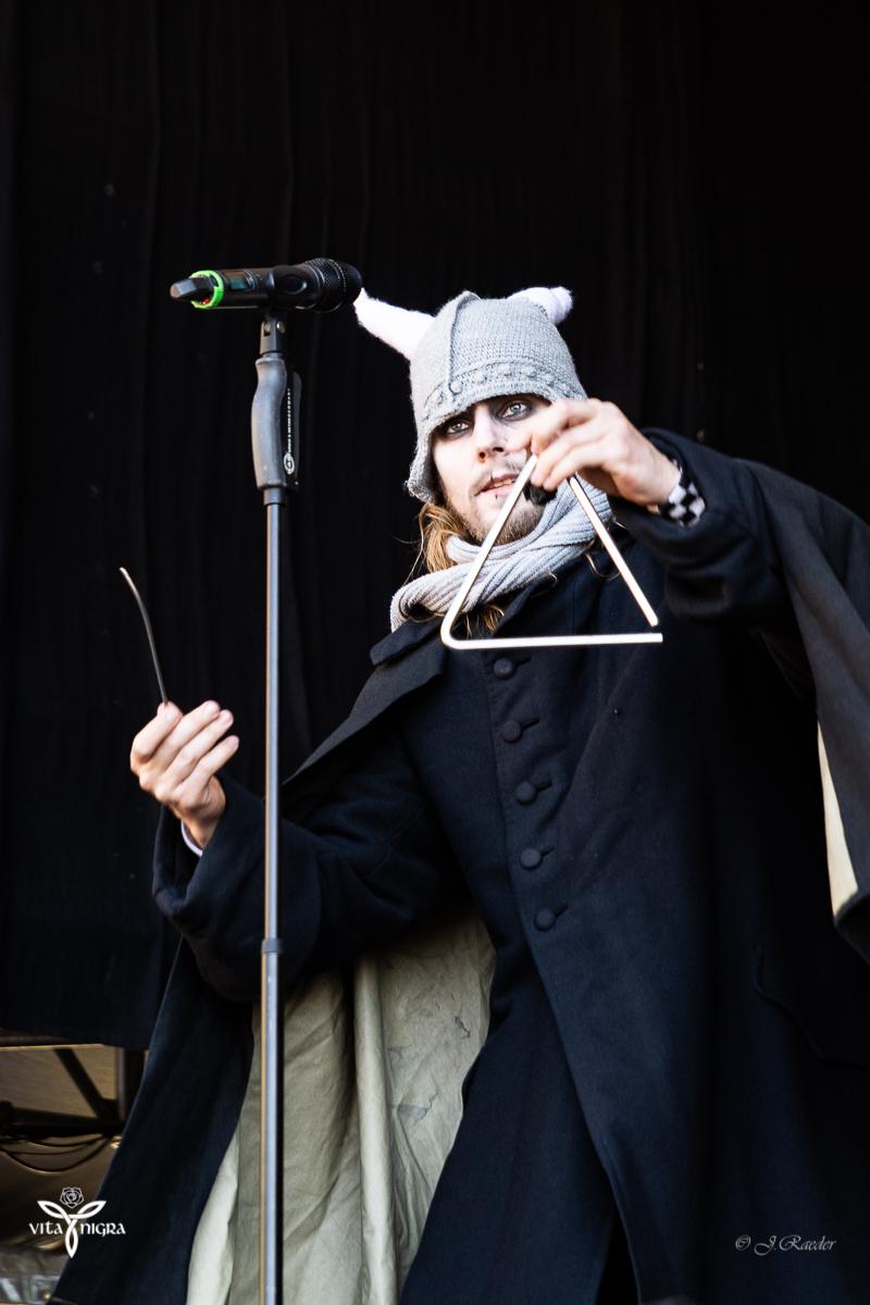 Bühnenspaß mit Bastille_Feuertanz Festival 2019_Vita Nigra-9