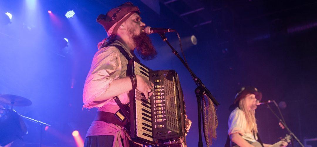 Mr. Hurley und die Pulveraffen – 07.12.2019 – Szene Wien
